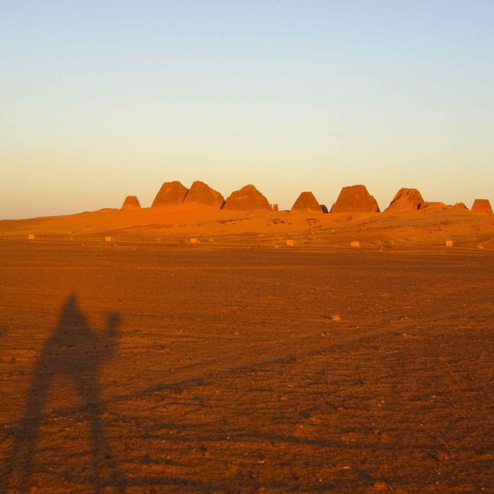 Camping in the desert and visiting the Pyramids in Begrawiya in Sudan