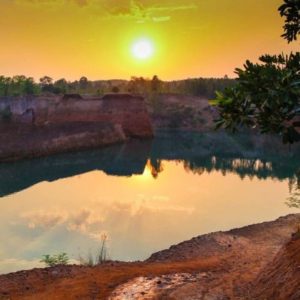 Chiang Mai attractions: cliff jumping at Hang Dong quarry